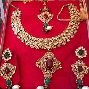 Jewelry - 🎇🎇🎇 Host Pick 🎉🎉Kundan ruby necklace set NWOT